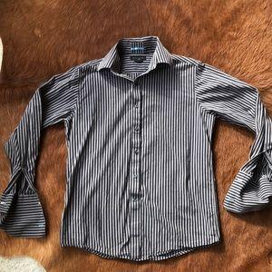 Men's gray and black shirt